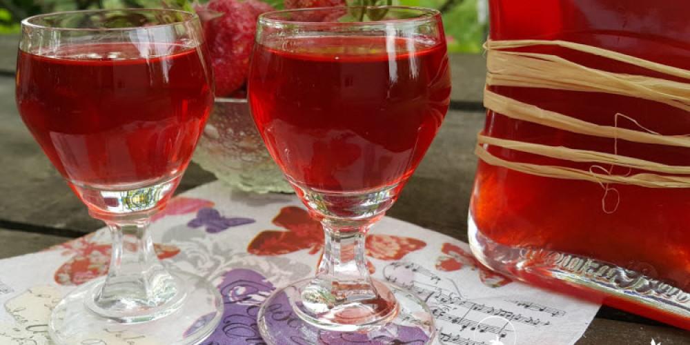 Домашний ликер из клубники – как приготовить?