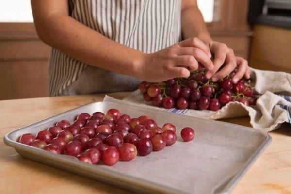 как сохранить свежий виноград на зиму