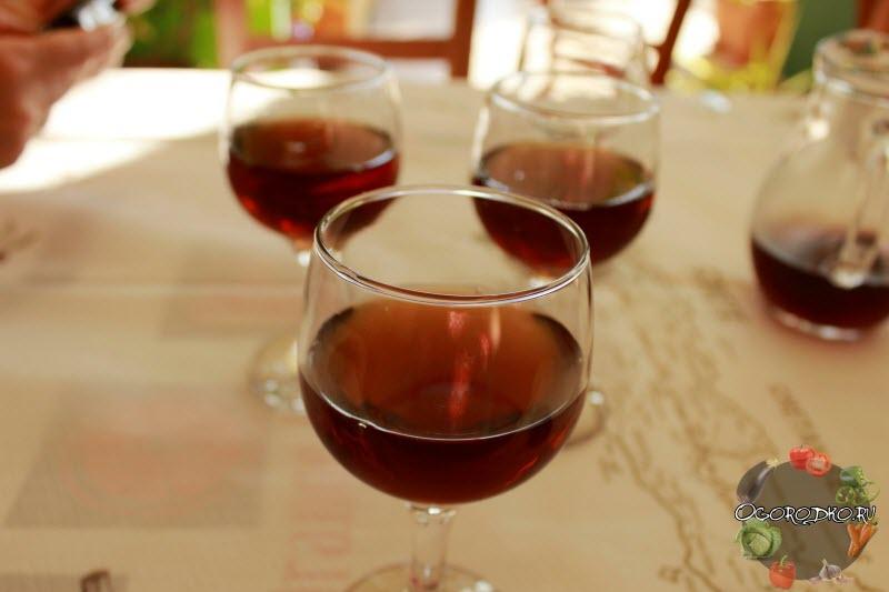 Domashneye vino iz varenya