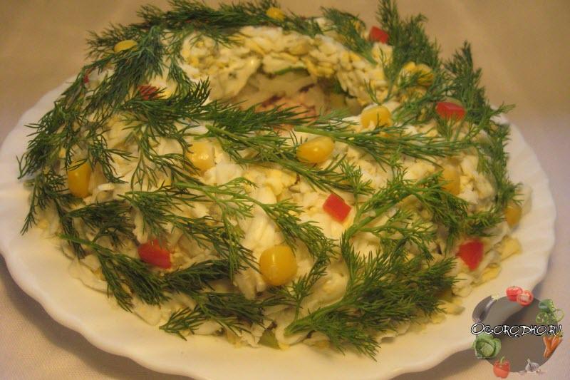 салат из печени трески, огурца и яиц