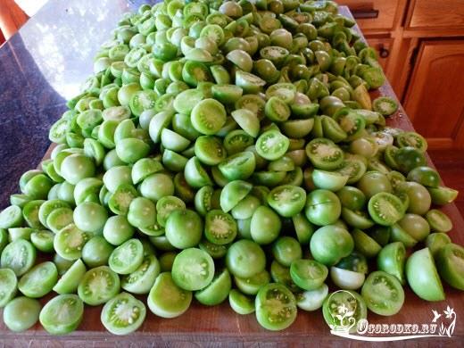 зеленые помидоры на зиму - простой рецепт