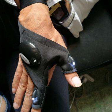 фонарик на руку glove lite